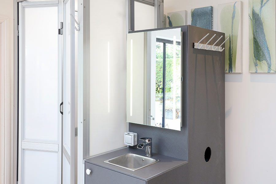 Pop-up shower